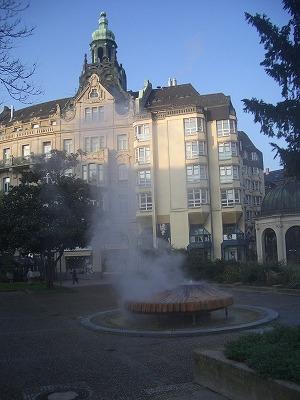 081024_0922Kochbrunnen温泉.jpg