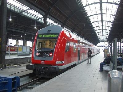 081024_0839列車.jpg